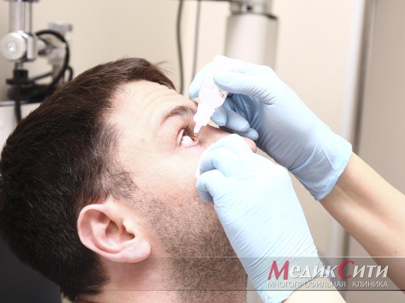 Помощь при попадании и удаление инородного тела из глаза